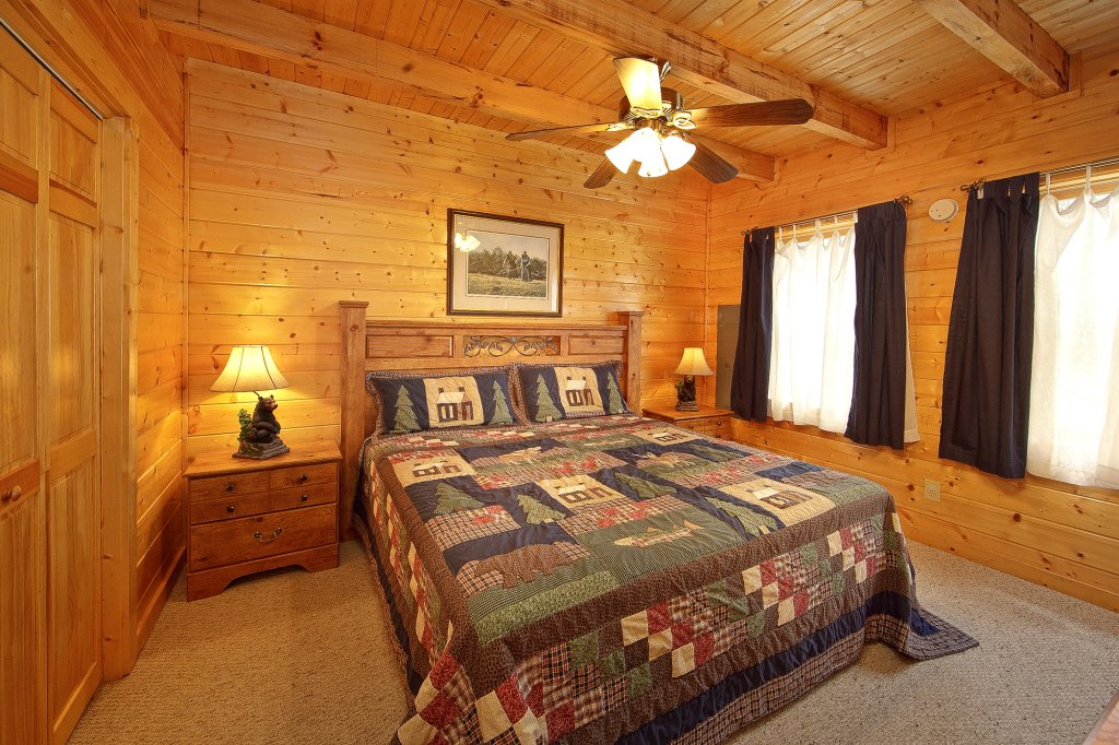 Photo of a Gatlinburg Cabin named Creeksong - This is the twenty-third photo in the set.