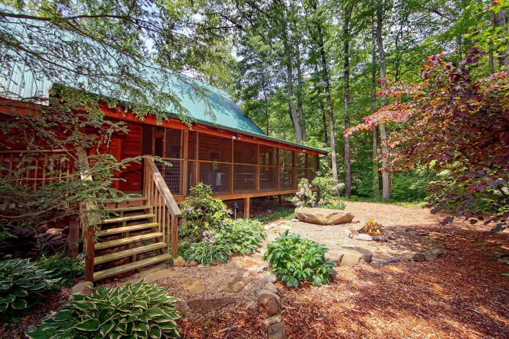 Creeksong cabin in gatlinburg w 4 br sleeps10 for Nuvola 9 cabin gatlinburg