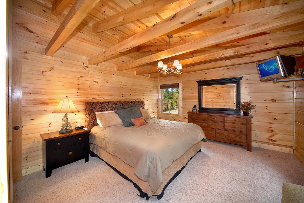 Photo of a Gatlinburg Cabin named Silvercreek - This is the fourteenth photo in the set.