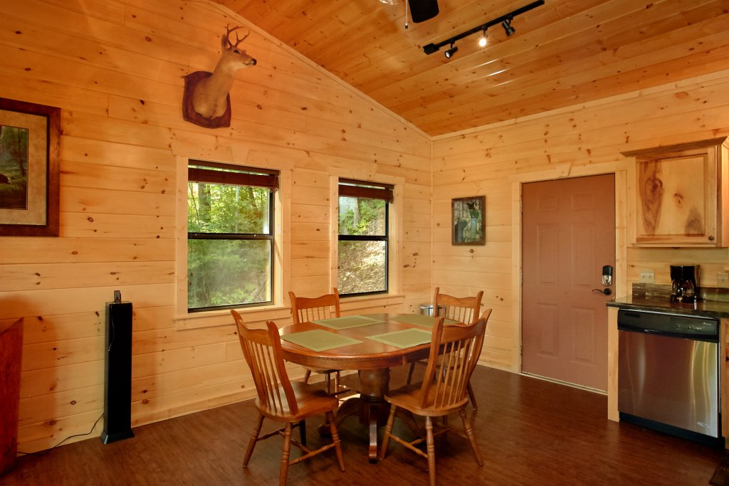 Photo of a Gatlinburg Cabin named Love Me True - This is the twelfth photo in the set.