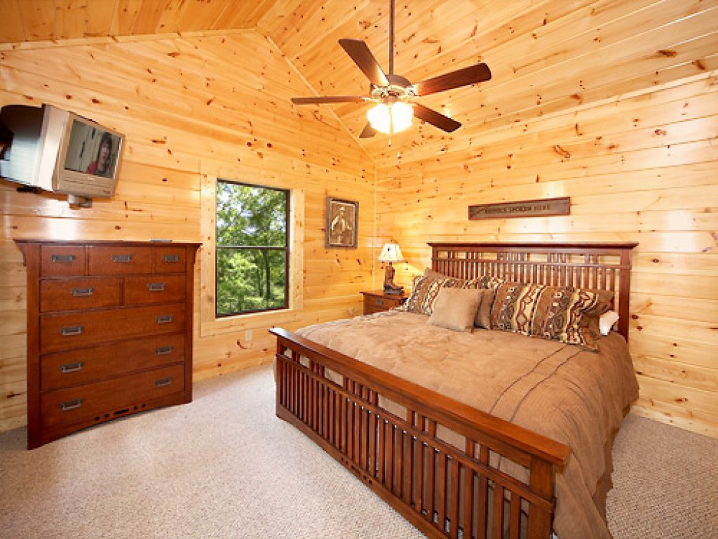 Photo of a Gatlinburg Cabin named Southern Comfort - This is the twelfth photo in the set.