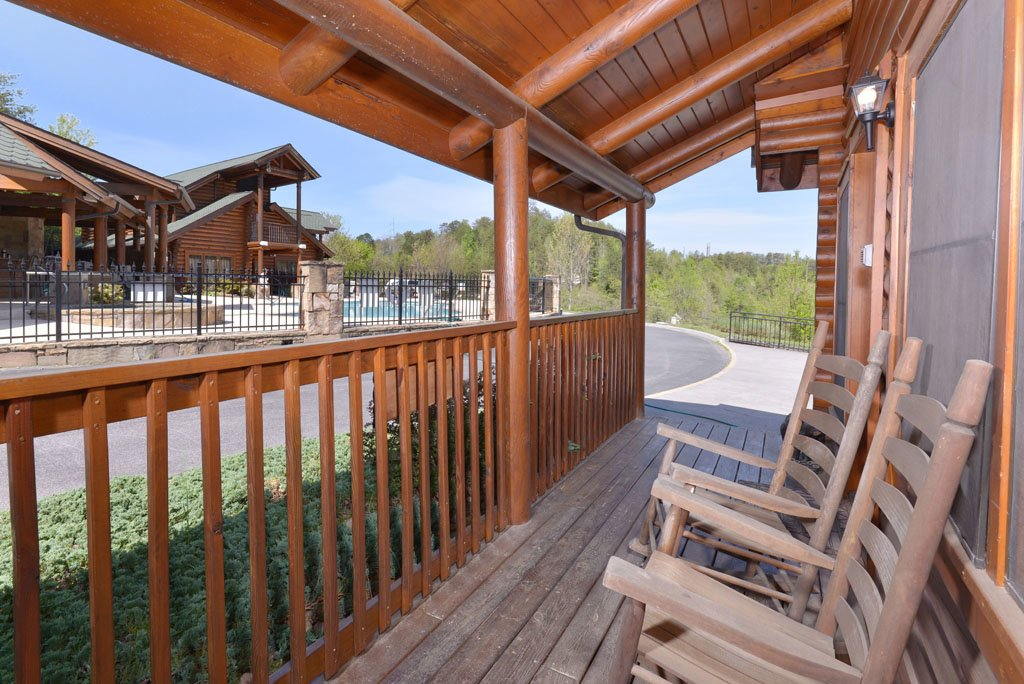 Photo of a Pigeon Forge Cabin named Cozy Bear Cove #288 - This is the fourth photo in the set.