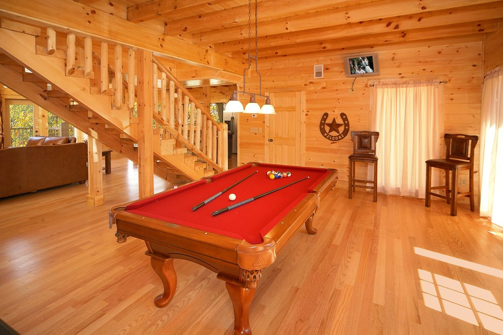 Photo of a Gatlinburg Cabin named Firefly Lodge - This is the fourth photo in the set.