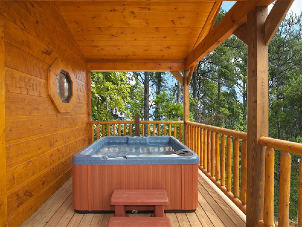 Photo of a Gatlinburg Cabin named Majestic Views - This is the second photo in the set.