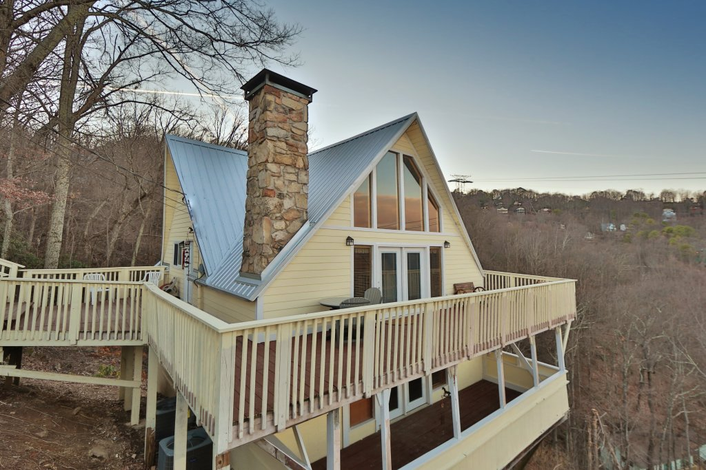 Photo of a Gatlinburg Cabin named Skyline View - This is the first photo in the set.