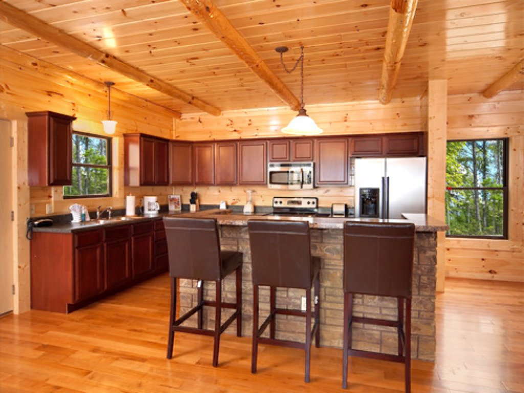 Photo of a Gatlinburg Cabin named Majestic Views - This is the fifth photo in the set.
