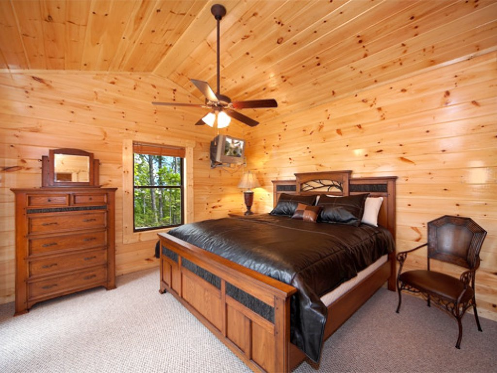 Photo of a Gatlinburg Cabin named Majestic Views - This is the ninth photo in the set.
