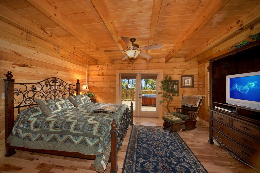 Photo of a Gatlinburg Cabin named Silvercreek - This is the seventeenth photo in the set.