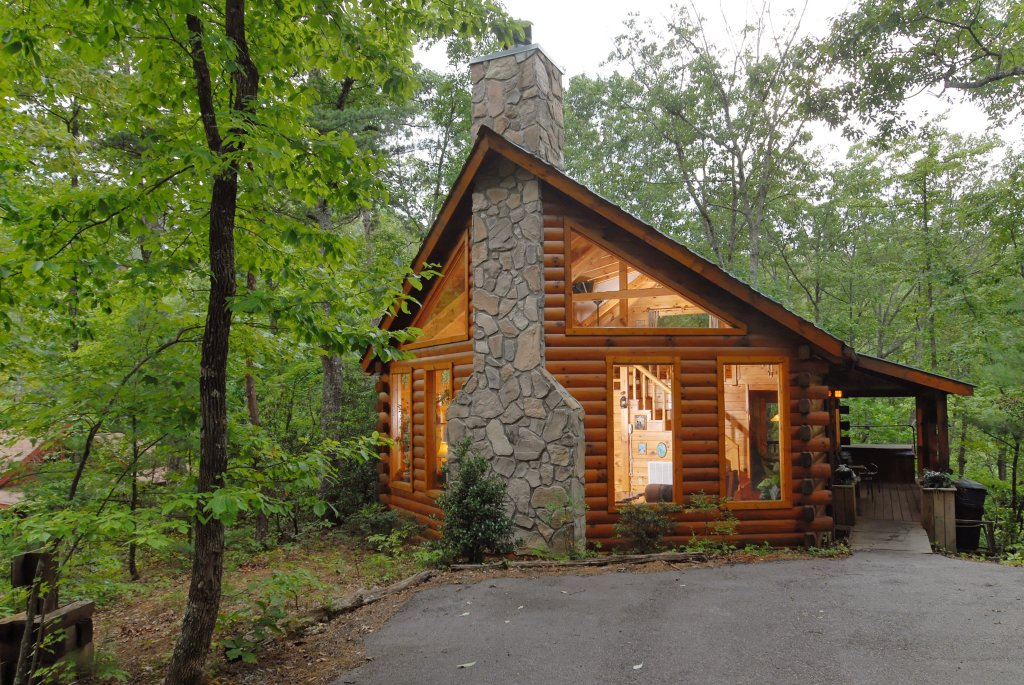 Photo of a Gatlinburg Cabin named Afternoon Delight #2332 - This is the first photo in the set.