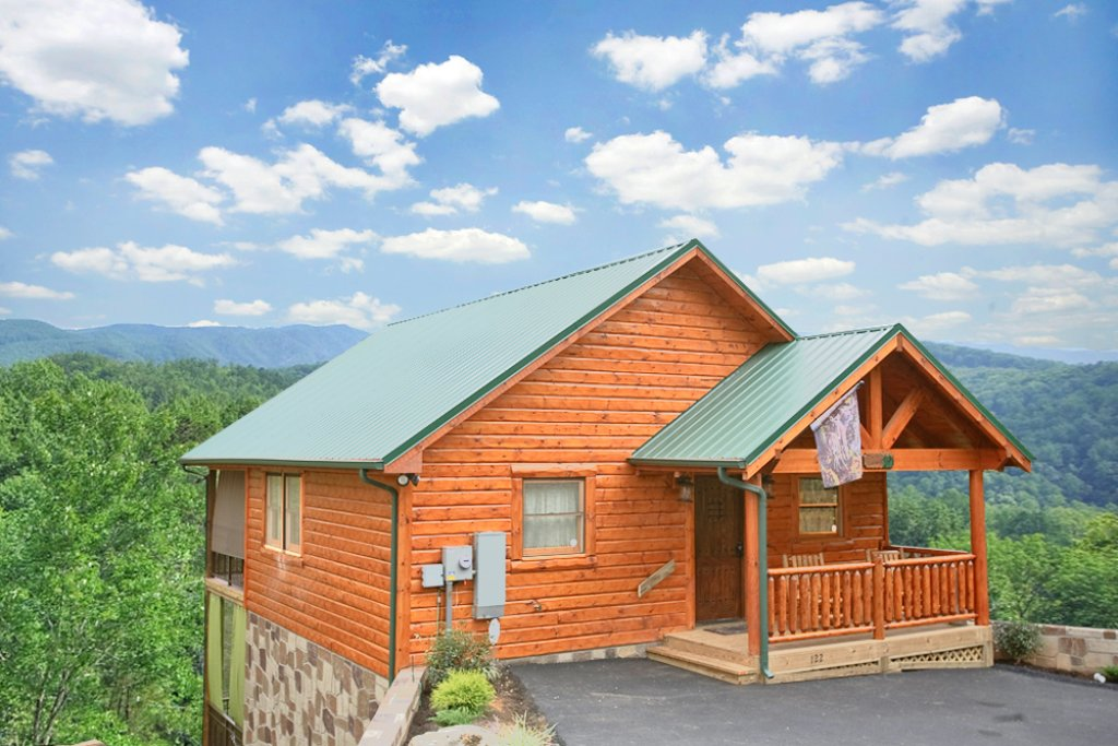 Mountain hideaway cabin in gatlinburg w 1 br sleeps2 for Nuvola 9 cabin gatlinburg