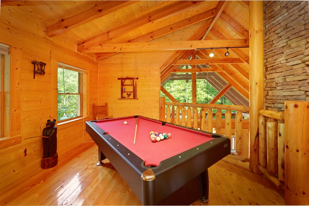 Photo of a Gatlinburg Cabin named Magic Moments - This is the third photo in the set.
