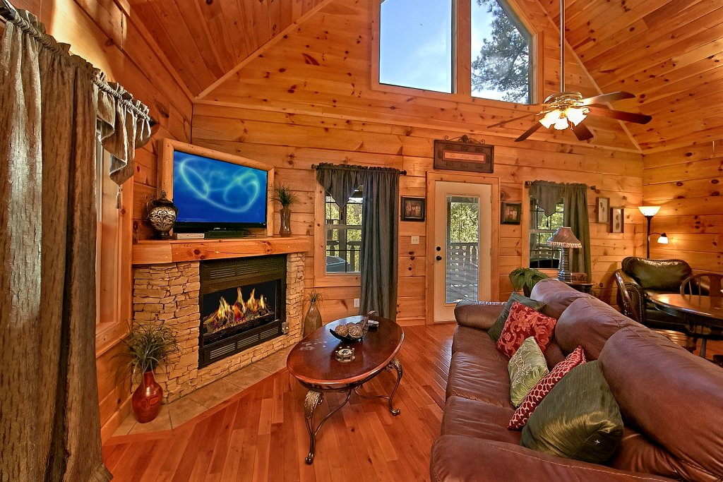 Mountain splash cabin in sevierville w 1 br sleeps4 for Nuvola 9 cabin gatlinburg