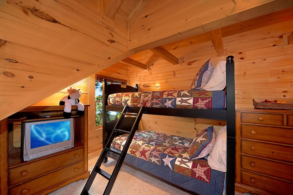 Photo of a Gatlinburg Cabin named Silvercreek - This is the fifteenth photo in the set.