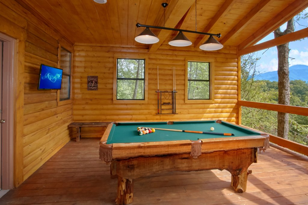 Photo of a Gatlinburg Cabin named Love Me True - This is the eighth photo in the set.