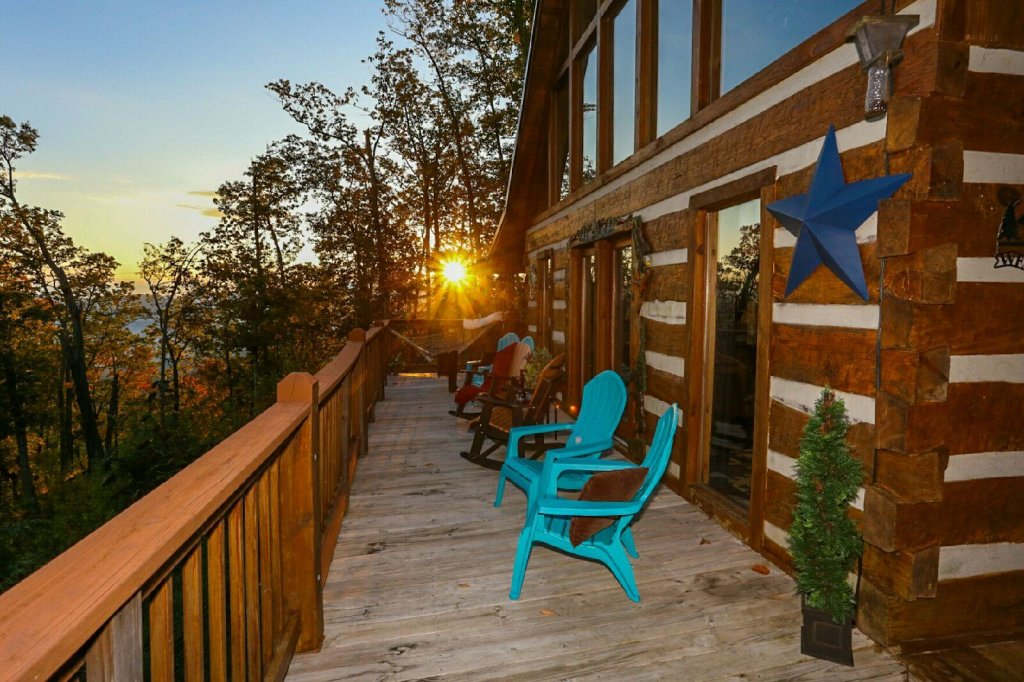 Photo of a Gatlinburg Cabin named Eagle's View - This is the fourth photo in the set.