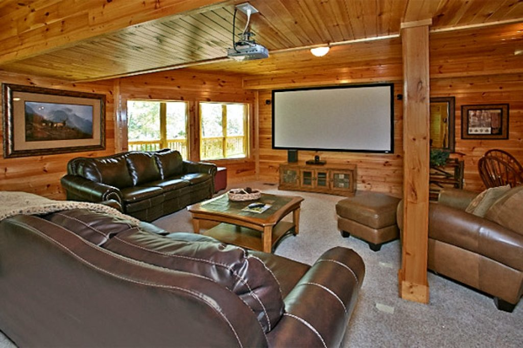Photo of a Gatlinburg Cabin named Silvercreek - This is the second photo in the set.