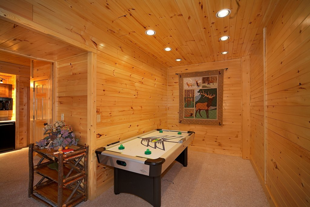 Photo of a Gatlinburg Cabin named Silvercreek - This is the sixth photo in the set.