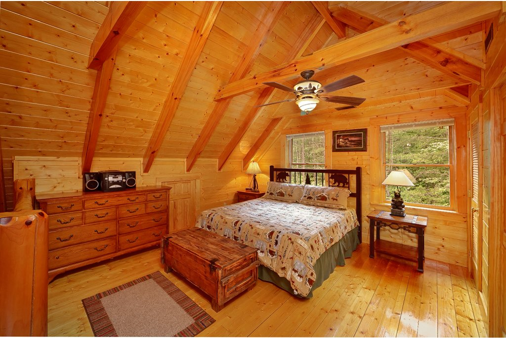 Photo of a Gatlinburg Cabin named Magic Moments - This is the ninth photo in the set.