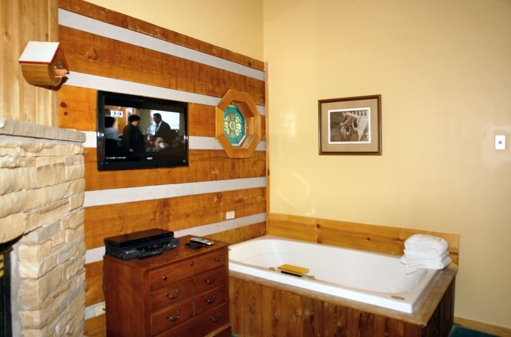 Photo of a Gatlinburg Cabin named Leather And Lace #1615 - This is the sixth photo in the set.