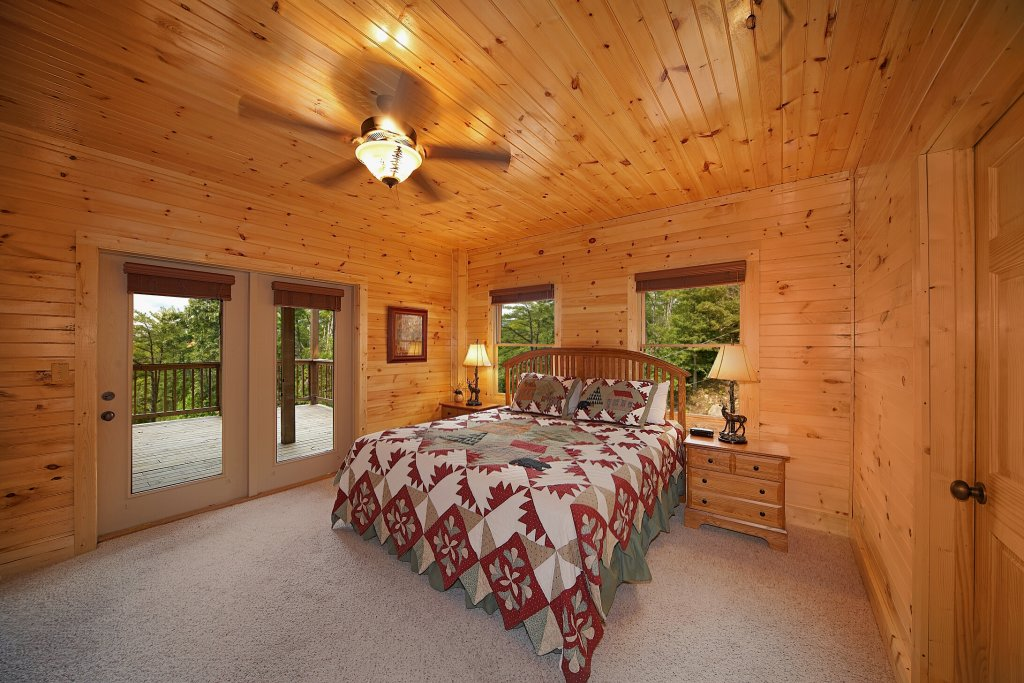 Photo of a Gatlinburg Cabin named Silvercreek - This is the twelfth photo in the set.