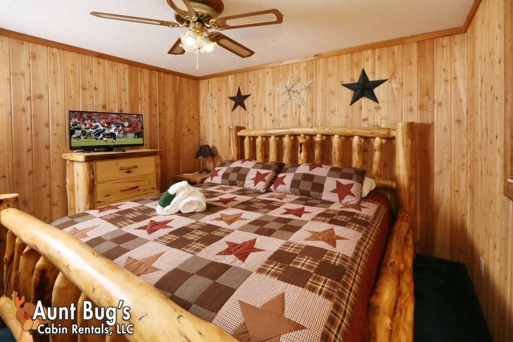 Photo of a Pigeon Forge Cabin named A Sweet Retreat #239 - This is the twenty-fifth photo in the set.