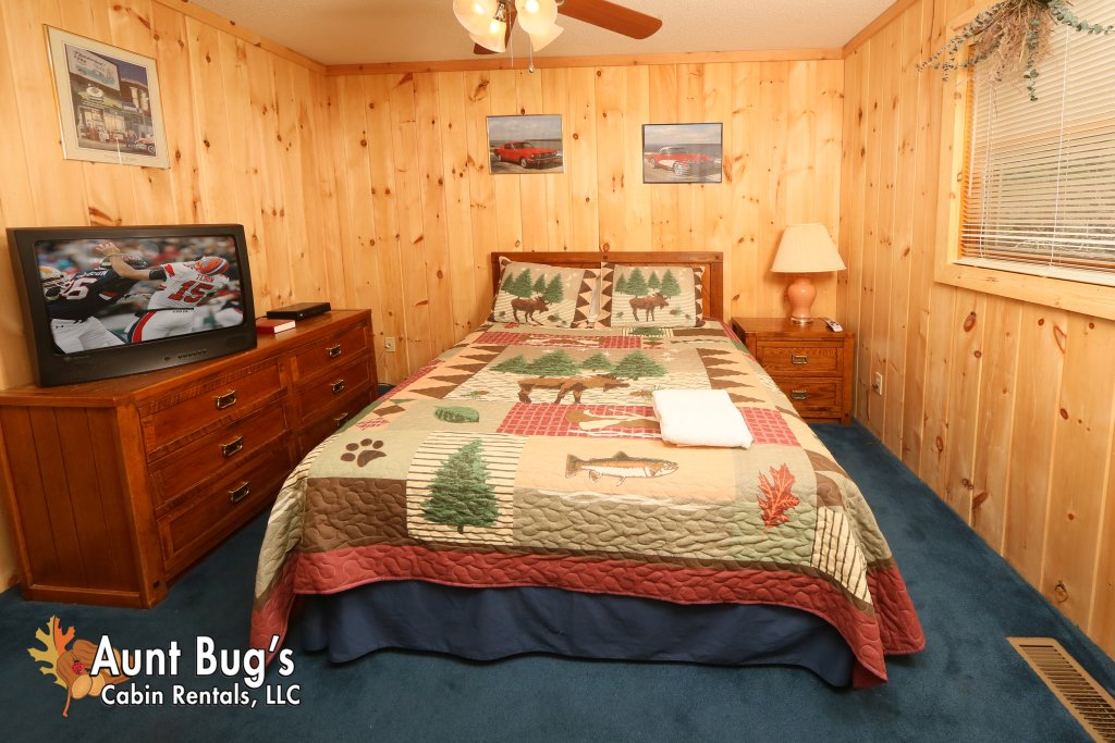Photo of a Pigeon Forge Cabin named A Sweet Retreat #239 - This is the twenty-sixth photo in the set.