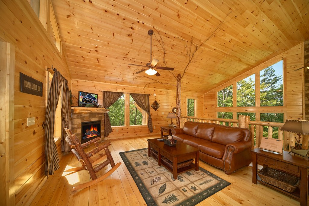 Photo of a Gatlinburg Cabin named Spur Of The Moment - This is the ninth photo in the set.