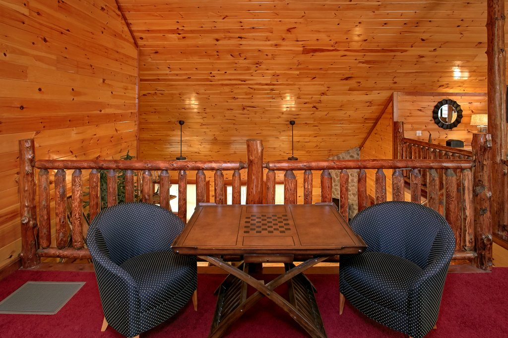 Photo of a Gatlinburg Cabin named Live, Laugh, Love Pool Lodge - This is the thirty-third photo in the set.