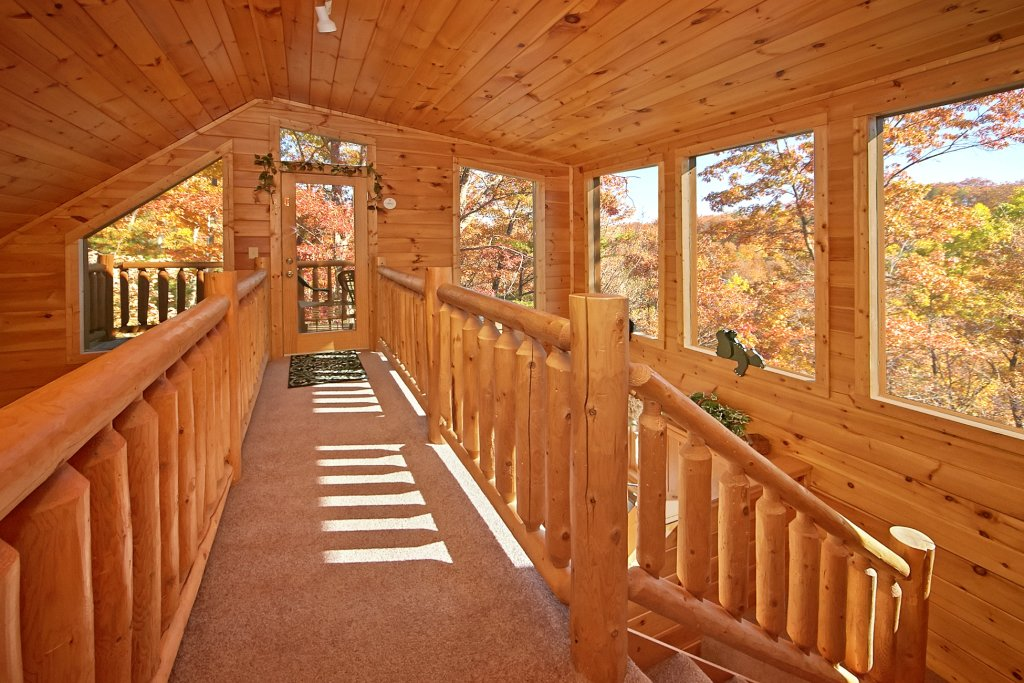 Photo of a Gatlinburg Cabin named A Secret Hideaway - This is the tenth photo in the set.