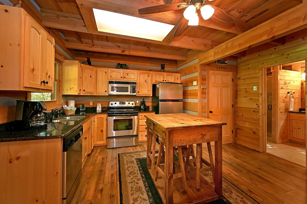 Photo of a Gatlinburg Cabin named Lots Of Lovin - This is the sixteenth photo in the set.