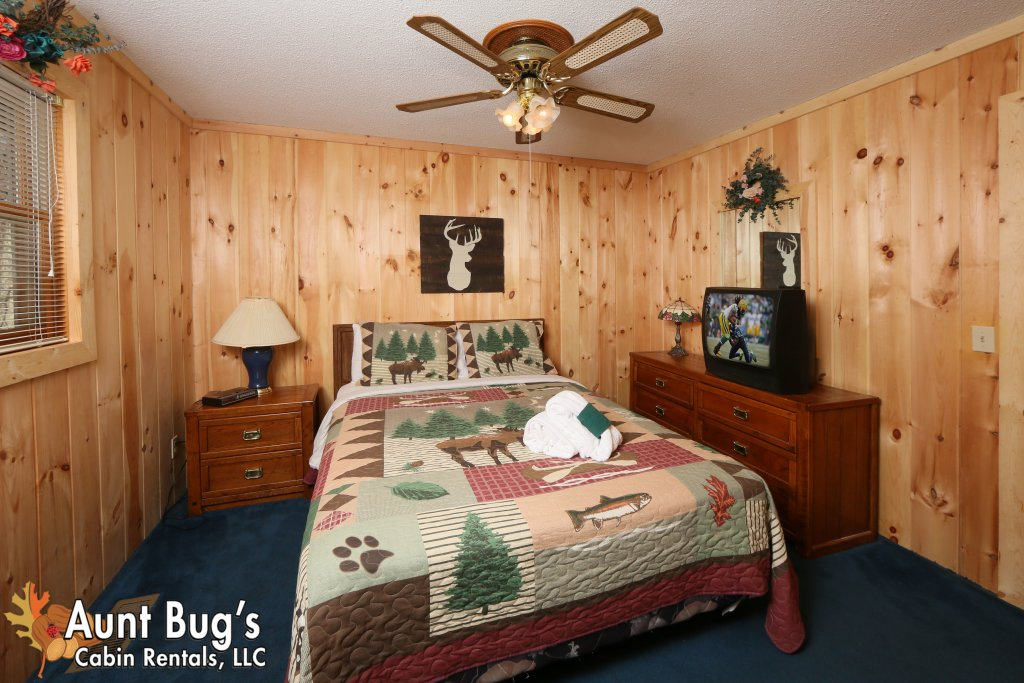 Photo of a Pigeon Forge Cabin named A Sweet Retreat #239 - This is the seventeenth photo in the set.