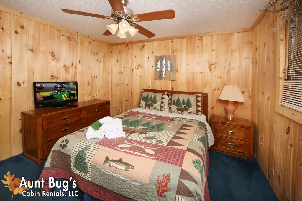Photo of a Pigeon Forge Cabin named A Sweet Retreat #239 - This is the eighteenth photo in the set.