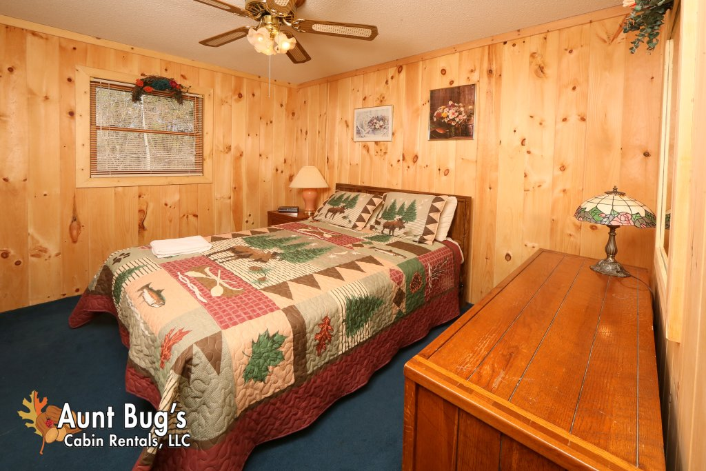 Photo of a Pigeon Forge Cabin named A Sweet Retreat #239 - This is the eighth photo in the set.