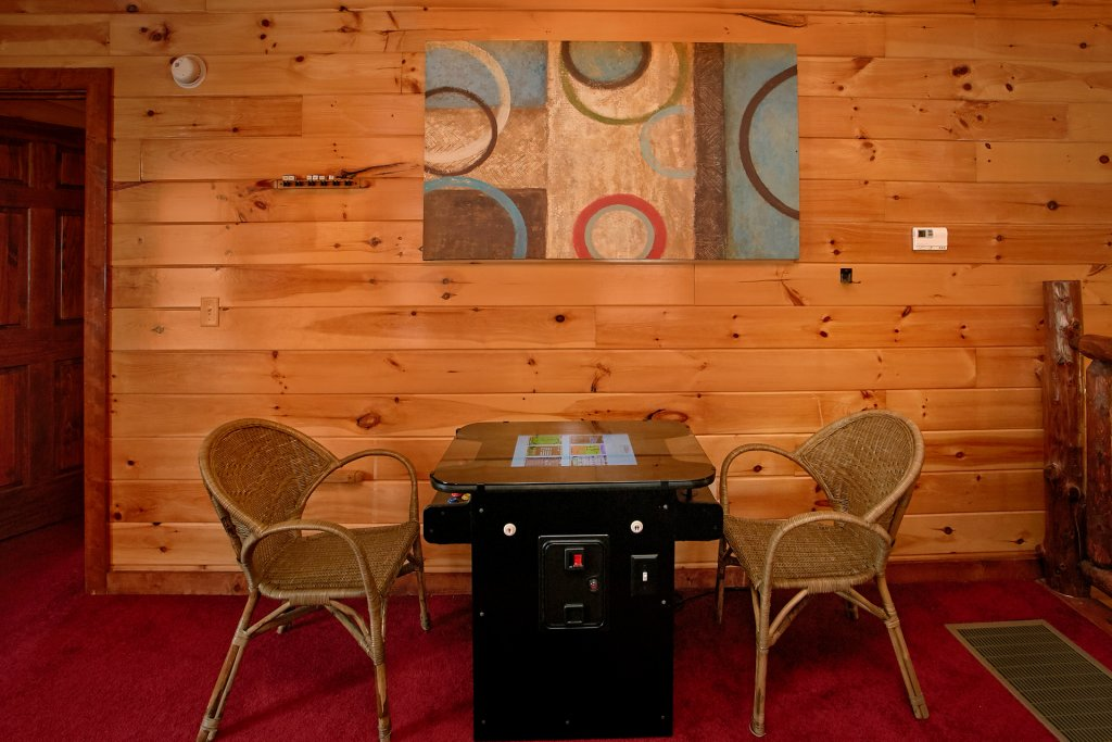 Photo of a Gatlinburg Cabin named Live, Laugh, Love Pool Lodge - This is the thirty-second photo in the set.