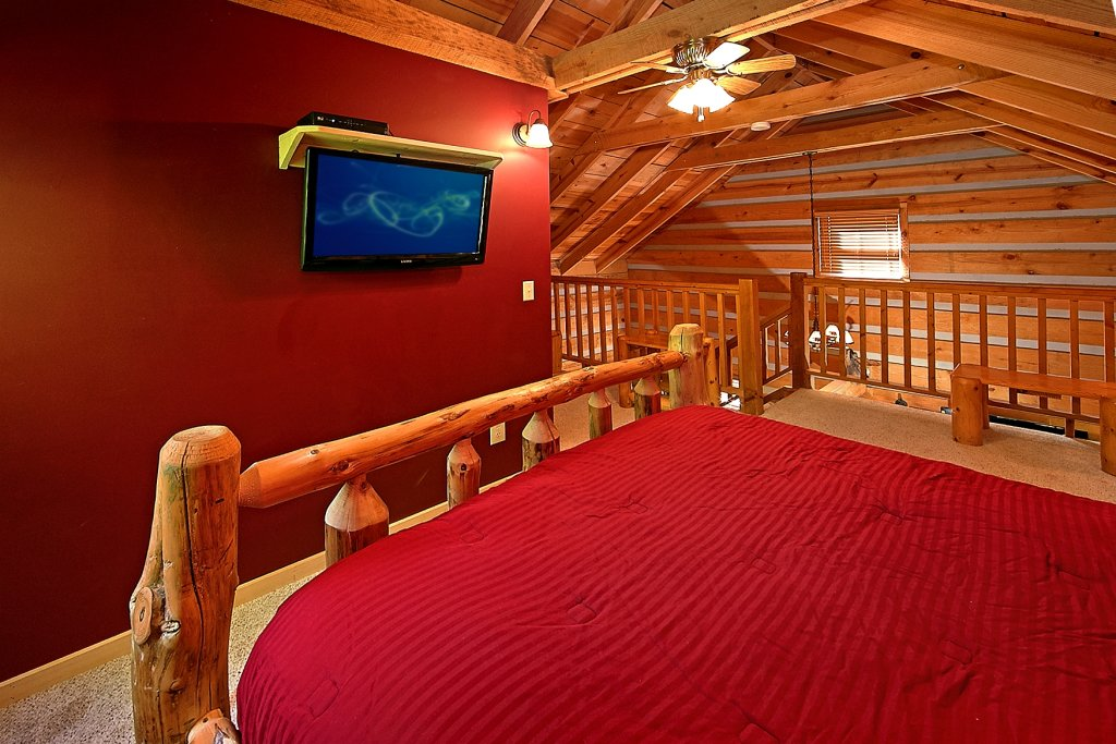 Photo of a Gatlinburg Cabin named Lots Of Lovin - This is the seventeenth photo in the set.