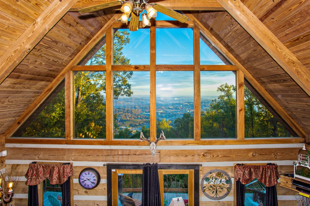 Photo of a Gatlinburg Cabin named Eagle's View - This is the forty-third photo in the set.