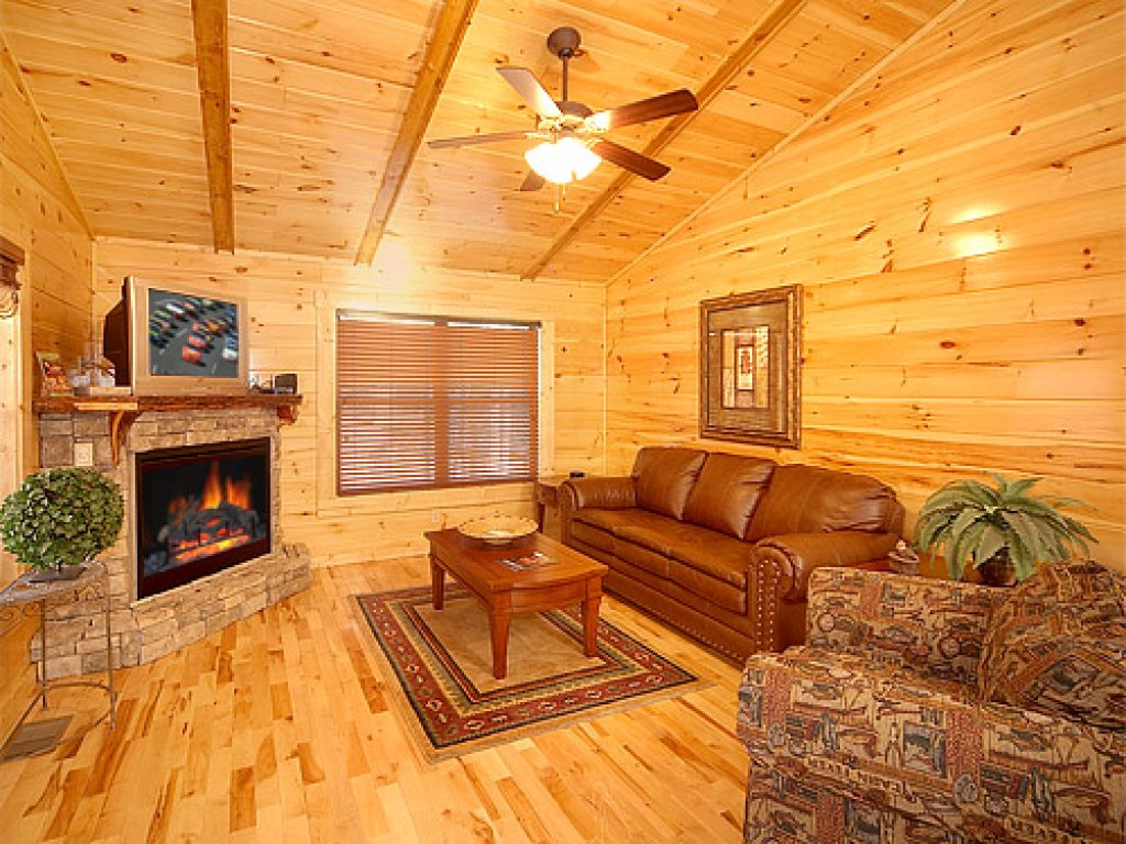 Photo of a Gatlinburg Cabin named Sweet Dreams - This is the second photo in the set.