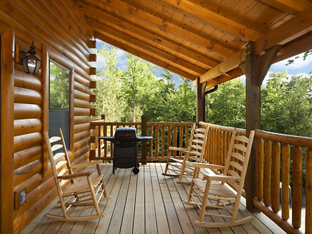Misty Mountain Lodge Cabin In Gatlinburg W 5 Br Sleeps14