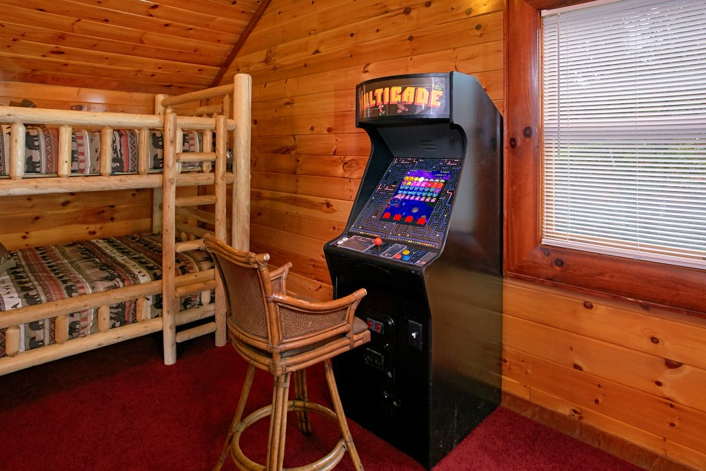 Photo of a Gatlinburg Cabin named Live, Laugh, Love Pool Lodge - This is the thirtieth photo in the set.