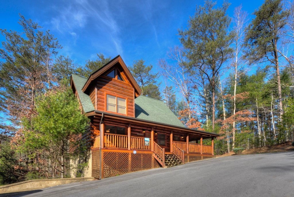 Photo of a Gatlinburg Cabin named Enchanted Forest - This is the first photo in the set.