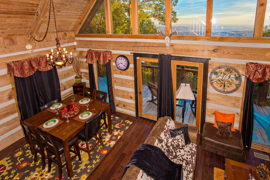 Photo of a Gatlinburg Cabin named Eagle's View - This is the seventh photo in the set.