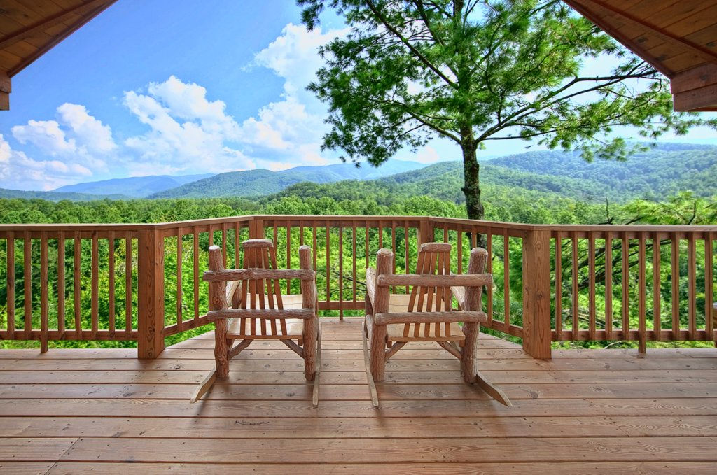 Photo of a Gatlinburg Cabin named Tree Tops - This is the first photo in the set.