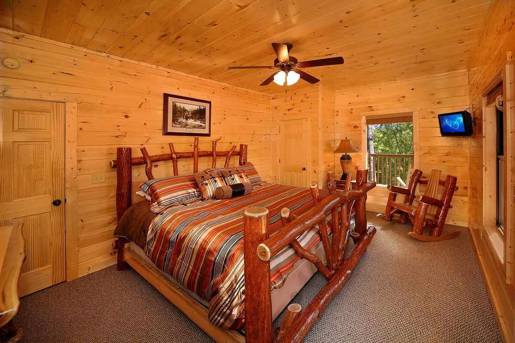 Lumberjack lodge cabin in gatlinburg w 5 br sleeps14 for Nuvola 9 cabin gatlinburg