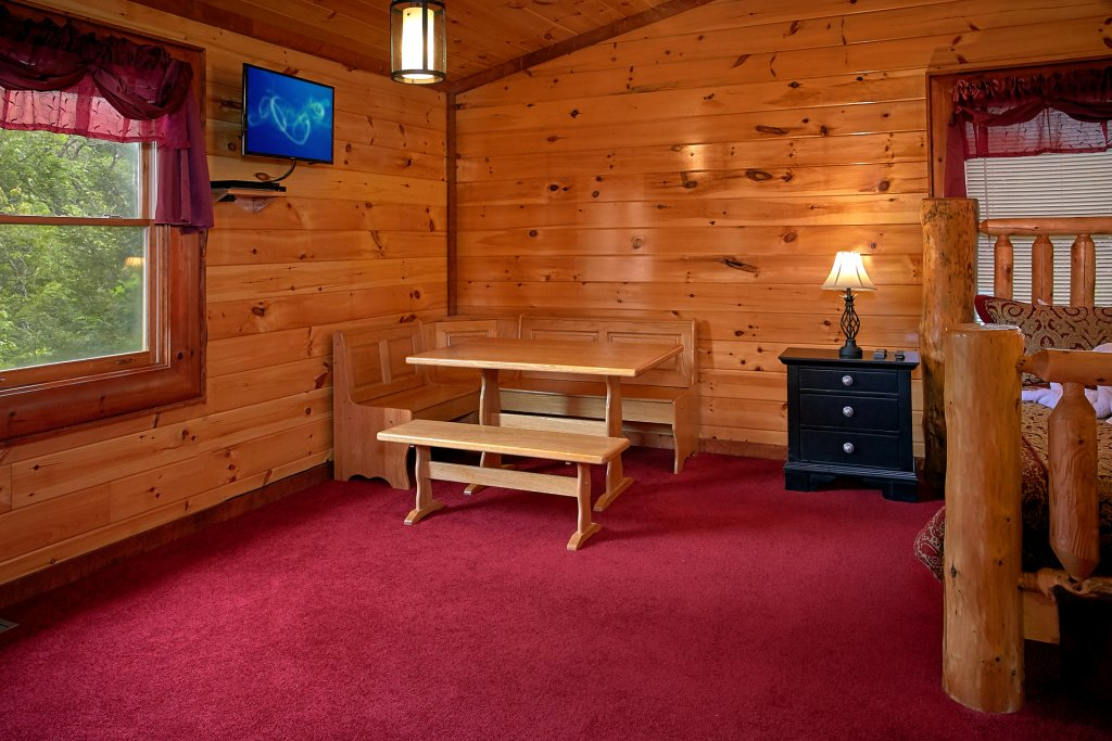 Photo of a Gatlinburg Cabin named Live, Laugh, Love Pool Lodge - This is the forty-first photo in the set.