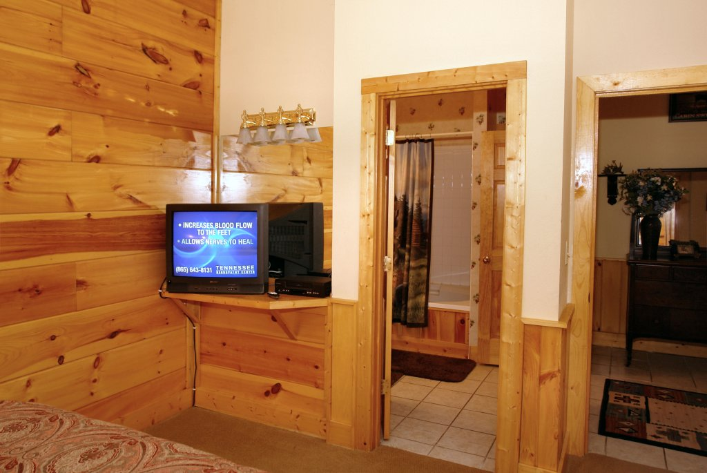 Photo of a Pigeon Forge Cabin named Almost Bearadise #289 - This is the sixteenth photo in the set.