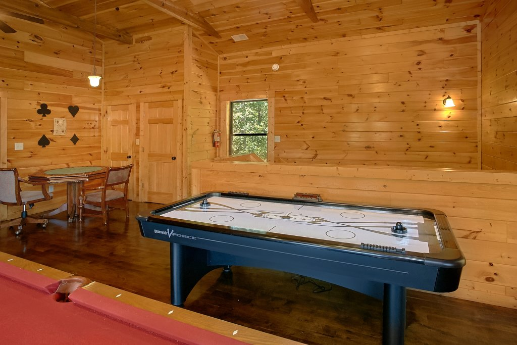 Photo of a Gatlinburg Cabin named Diamond In The Rough - This is the ninth photo in the set.