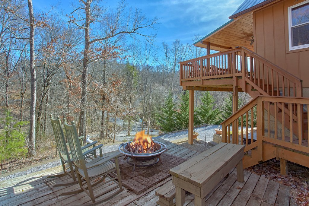 Photo of a Pigeon Forge Cabin named Gettin Cozy - This is the first photo in the set.