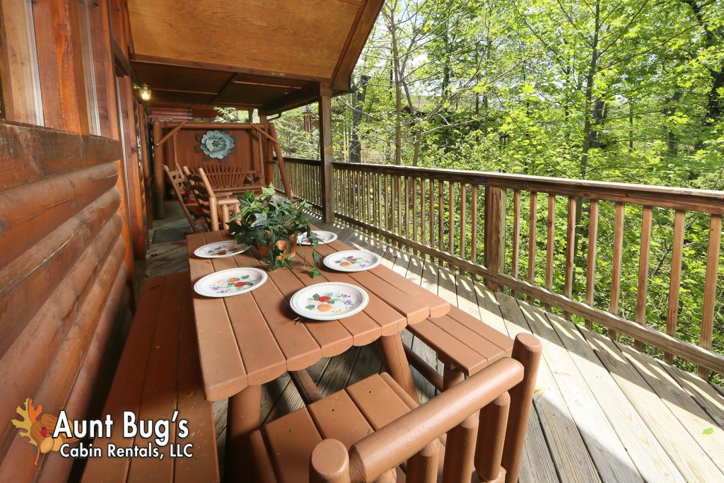Photo of a Pigeon Forge Cabin named Smoky Mountain Getaway #435 - This is the tenth photo in the set.
