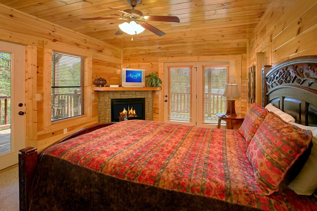 Photo of a Gatlinburg Cabin named Diamond In The Rough - This is the seventeenth photo in the set.