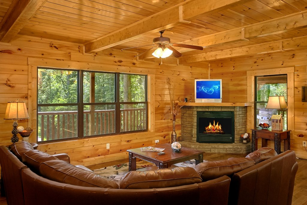 Photo of a Gatlinburg Cabin named Diamond In The Rough - This is the twelfth photo in the set.